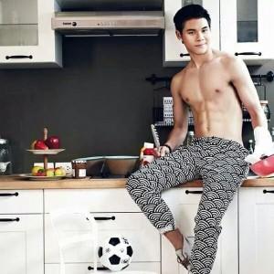 นักฟุตบอลหน้าตาดีดีกรีทีมชาติไทย 5